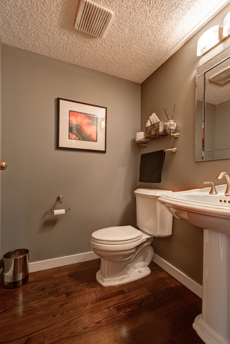 Stunning calgary bathroom renovations mayfield renovations for Lifestyle bathroom renovations